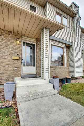 Patterson real estate 69 Patina Park SW in Patterson Calgary