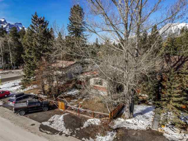Lions Park real estate 934 15TH Street in Lions Park Canmore