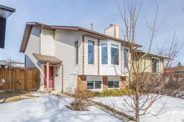 8002 Ranchview Drive NW in  Calgary MLS® #A1075484