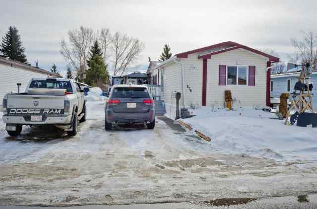 MLS® #A1075689 819 BRIARWOOD Road T1P 1E2 Strathmore