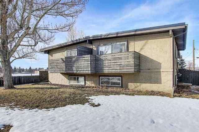 Bowness real estate 6222 31 Avenue NW in Bowness Calgary