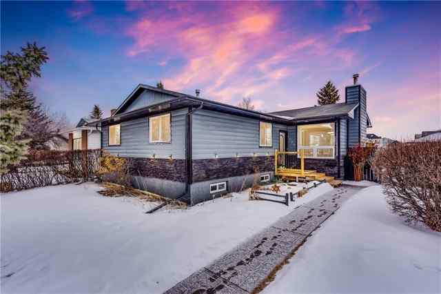 NONE real estate 1439 Mccrimmon Drive in NONE Carstairs