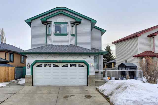 813 Applewood Drive SE in  Calgary MLS® #A1076322