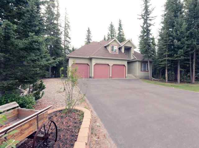 real estate 27 Sleigh Drive in  Bragg Creek