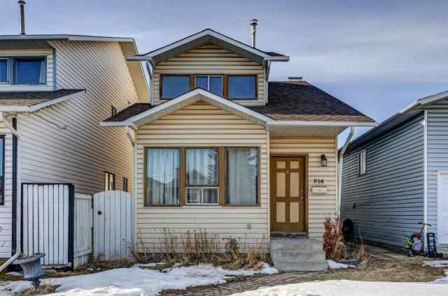 214 Falmere Way NE in  Calgary