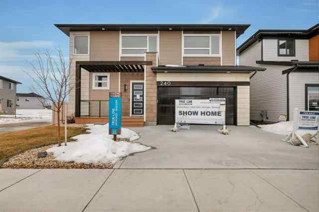 Evergreen real estate 240 Ellington Crescent in Evergreen Red Deer