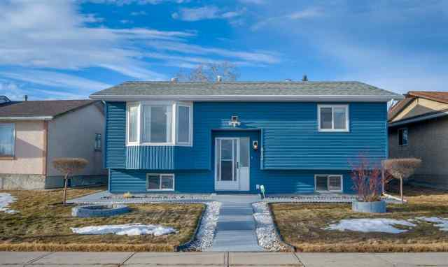 Rundle real estate 812 Rundlecairn Way NE in Rundle Calgary