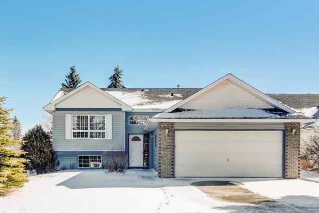 Bow Meadows real estate 16 Meadow Close in Bow Meadows Cochrane