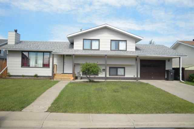 Bankview real estate 803 Bankview Drive in Bankview Drumheller