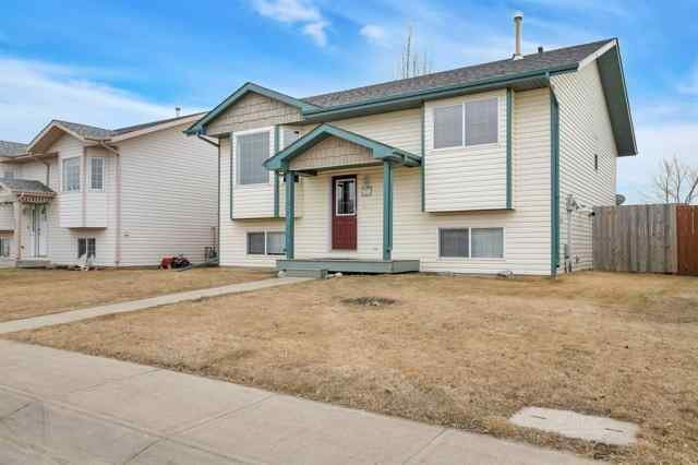 121 Sunridge Avenue in Harvest Meadows Blackfalds MLS® #A1090122