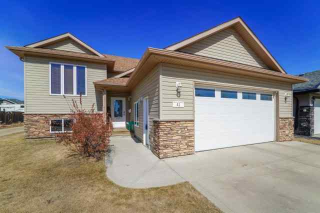 41 Cyprus Road in Cottonwood Estates Blackfalds MLS® #A1090231