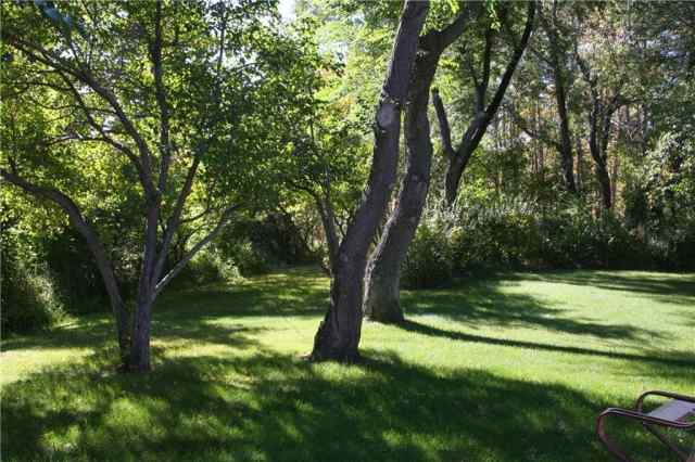 MLS® #C4210316 24122 Aspen DR NW T3R 1A5 Rural Rocky View County