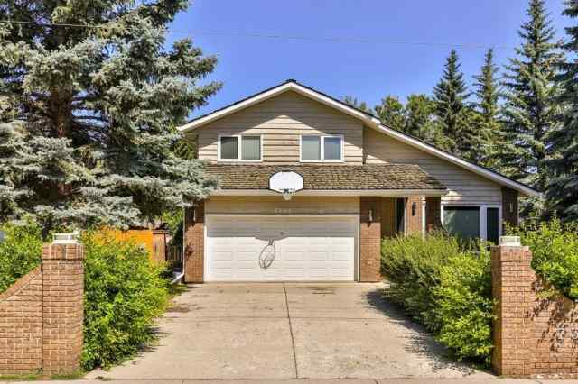 7304 BOW CR NW in Bowness Calgary