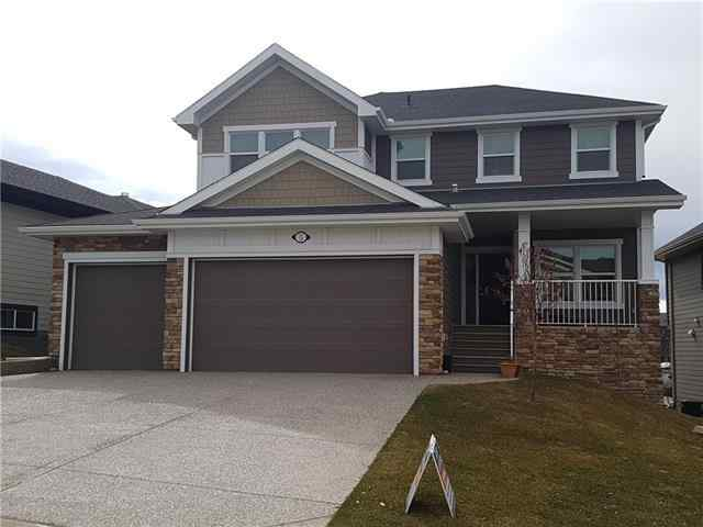 5 CRESTRIDGE RI SW in Crestmont Calgary
