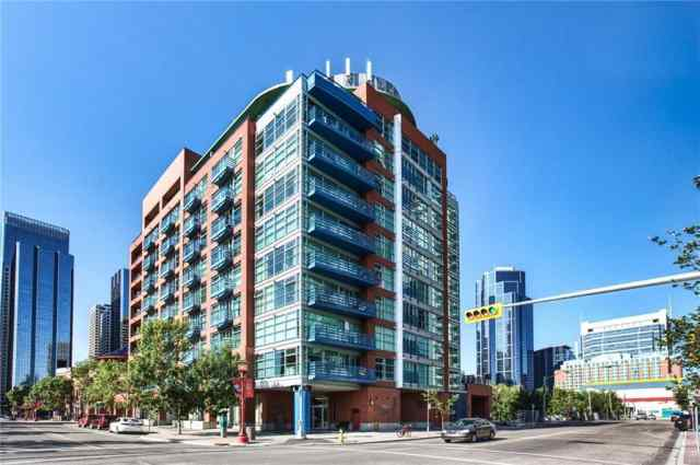 #308 205 RIVERFRONT AV SW in Chinatown Calgary