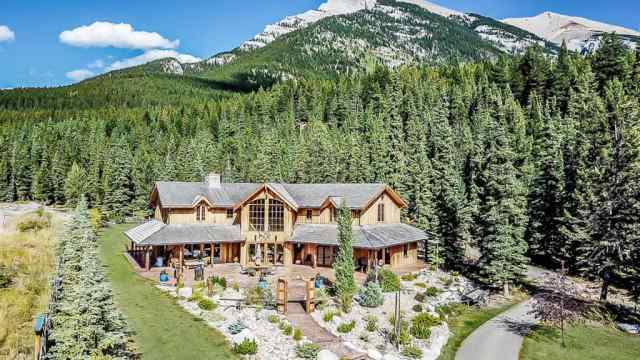 Canyon Ridge real estate 17 Canyon RD  in Canyon Ridge Canmore