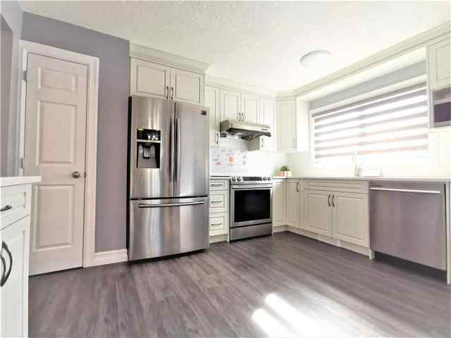 4004 DALARNA Bay Northwest in  Calgary MLS® #C4293174