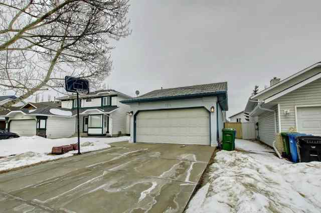 171 ARBOUR RIDGE WY NW in Arbour Lake Calgary