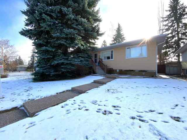 411 49 AV Sw in Elboya Calgary