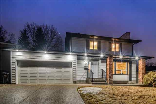 5812 DALCASTLE Crescent Northwest in  Calgary MLS® #C4293946