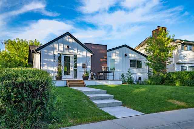 3324 BARR RD NW in Brentwood Calgary MLS® #C4294933