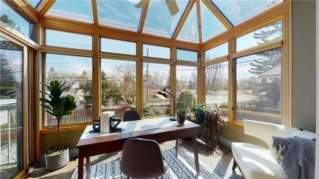 42 WESTVIEW DR SW in Westgate Calgary MLS® #C4296637