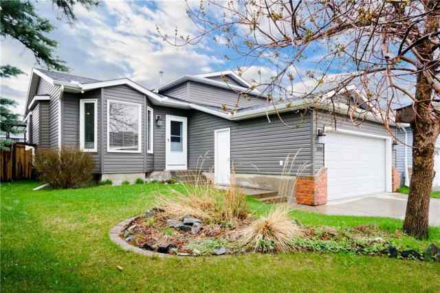 166 Tipping CL Se in Thorburn Airdrie MLS® #C4297423
