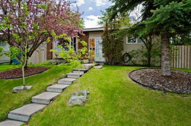 308 Penswood WY Se T2A 4T3 Calgary