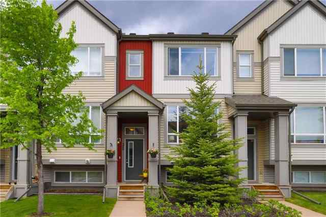 31 COPPERPOND CL SE T2Z 0Y8 Calgary