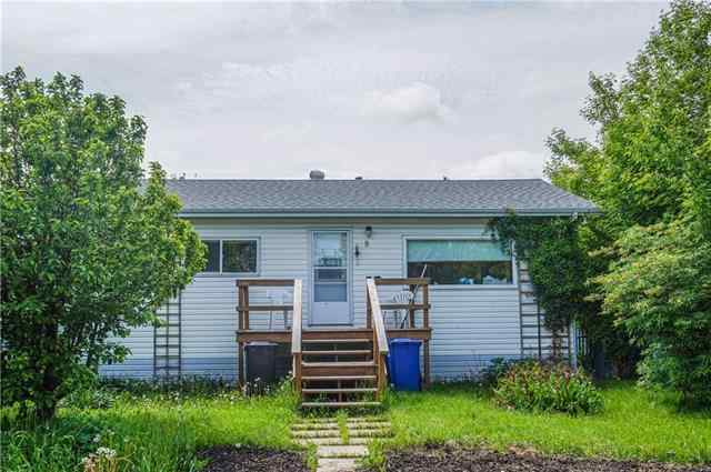 9 21 A Street Cl in None Bowden MLS® #C4300172