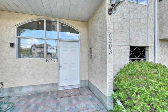 #11 6203 Bowness RD Nw in Bowness Calgary