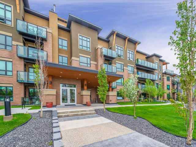 Unit-215-145 Burma Star Road SW in Currie Barracks Calgary MLS® #C4300485