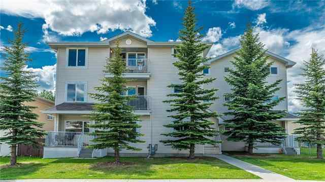 #301 4327 75 ST NW in Bowness Calgary