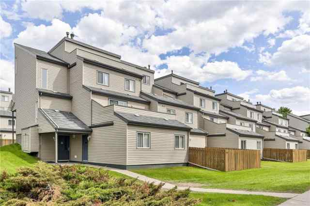 #1004 1540 29 ST NW in St Andrews Heights Calgary