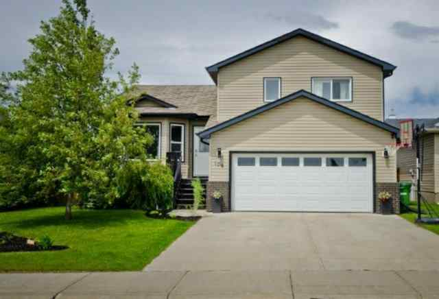 108 HILLVIEW DR  in Hillview Estates Strathmore