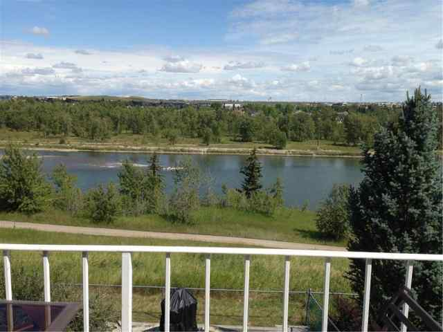 MLS® #C4301972 286 Diamond DR Se T2J 7E2 Calgary