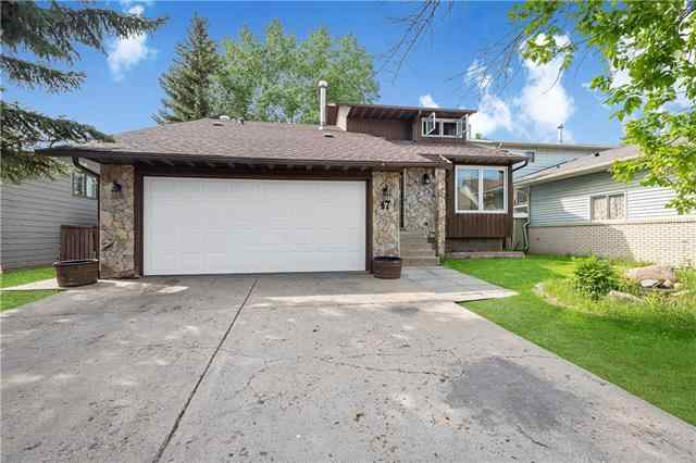 47 WHITERAM Hill NE in Whitehorn Calgary MLS® #C4302076