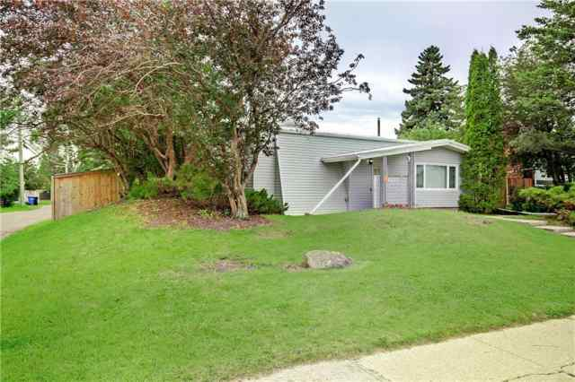 4623 FORTUNE RD SE in Forest Heights Calgary