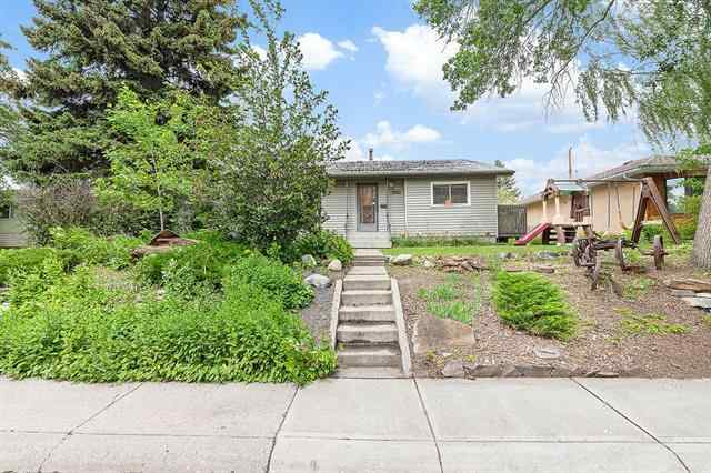2051 Cottonwood CR Se in Southview Calgary