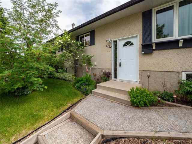 6132 4 ST NE in Thorncliffe Calgary