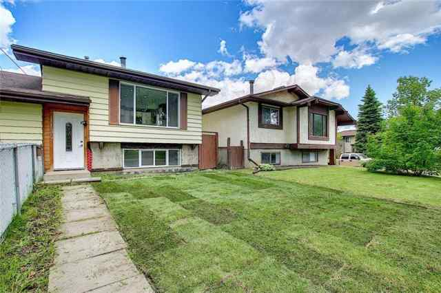 1134 Berkley DR Nw in Beddington Heights Calgary