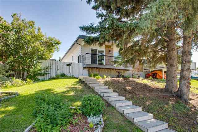 11719 Canfield RD Sw in Canyon Meadows Calgary