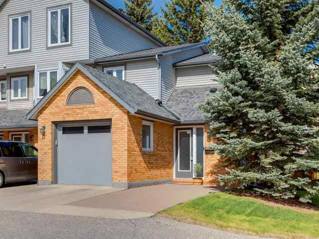 11 Coachway Gr Sw in Coach Hill Calgary MLS® #C4303632