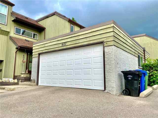 Unit-601-5660 23 Avenue NE in Pineridge Calgary MLS® #C4303736