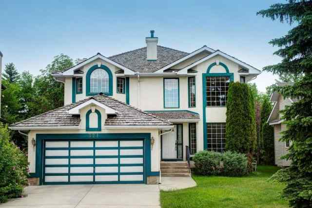 321 Douglasbank Co Se in Douglasdale/Glen Calgary