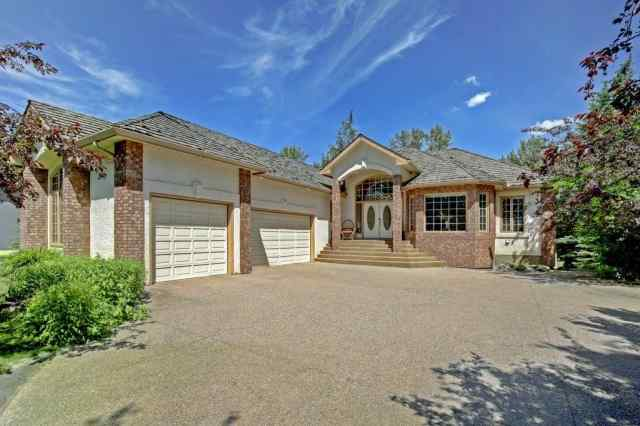 7112 Bow CR Nw in Bowness Calgary