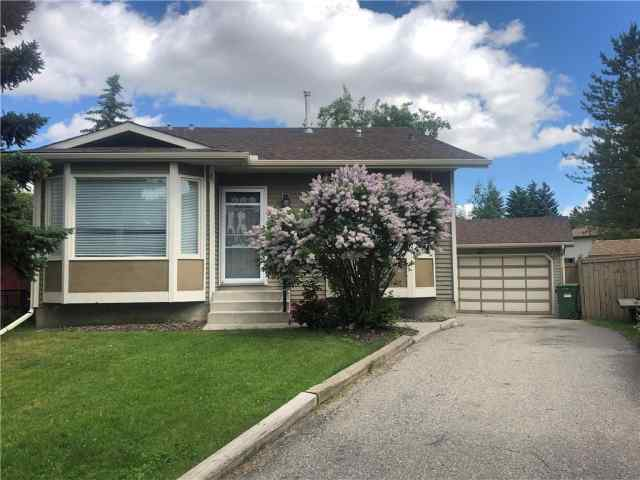 256 DEERSAXON CI SE in Deer Run Calgary