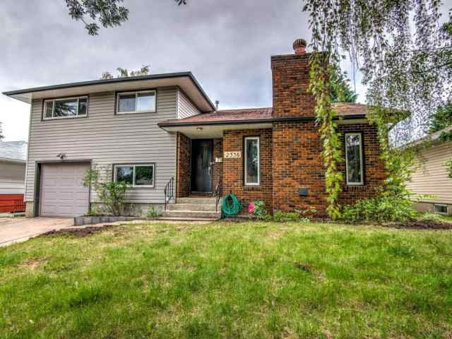 2536 CHICOUTIMI DR NW in Charleswood Calgary