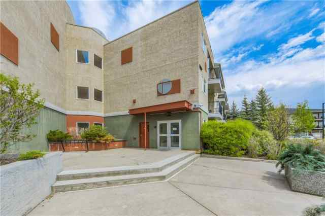 #233 69 Springborough Co Sw in Springbank Hill Calgary