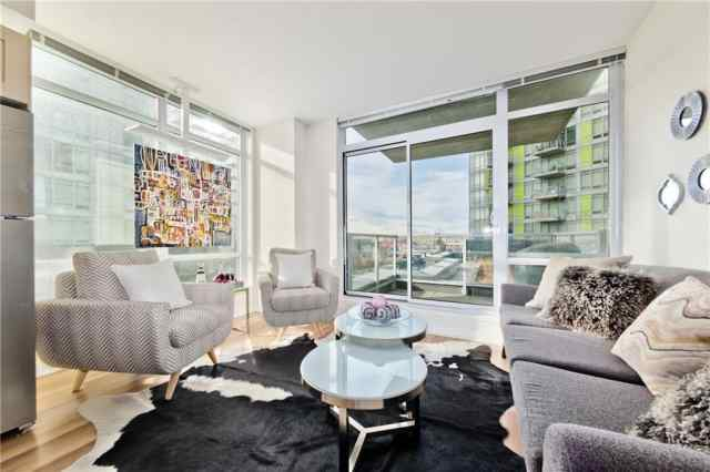 #307 10 Brentwood Cm Nw in Brentwood Calgary